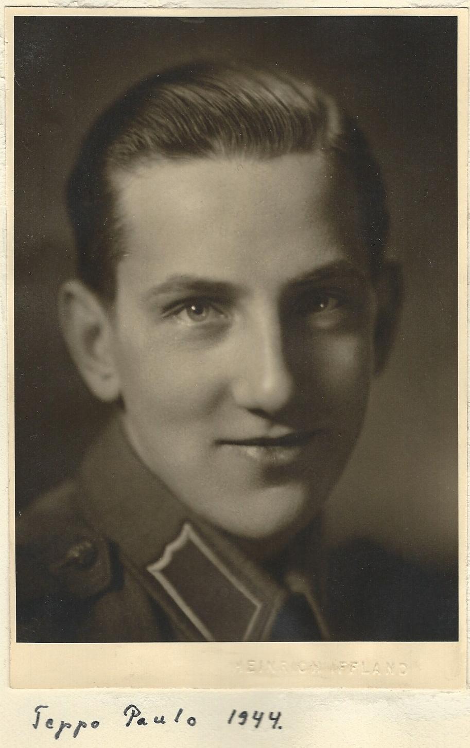 3f361dd7d10 Ristimisel sai ta nime Stefan, mis hiljem muudeti soomepäraseks. Teppo käis  koolis, lõpetas gümnaasiumi 1941 ja astus Helsingi Ülikooli  õigusteaduskonda ...